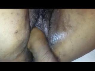 aunty  pussy  wet