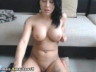 beautiful   girl   huge tits