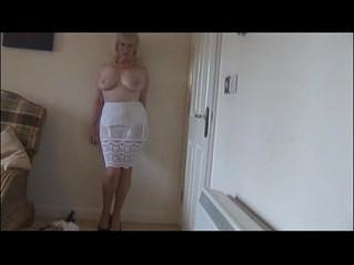 busty  gilf  lady